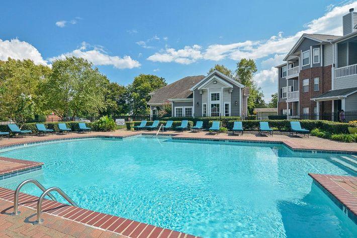 Carrington Park Apartments in Murfreesboro, TN - Swimming Pool 12.jpg