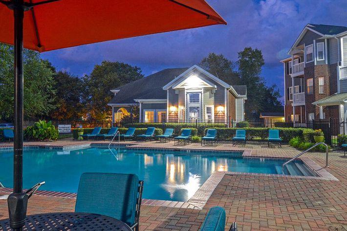 Carrington Park Apartments in Murfreesboro, TN - Swimming Pool 13.jpg