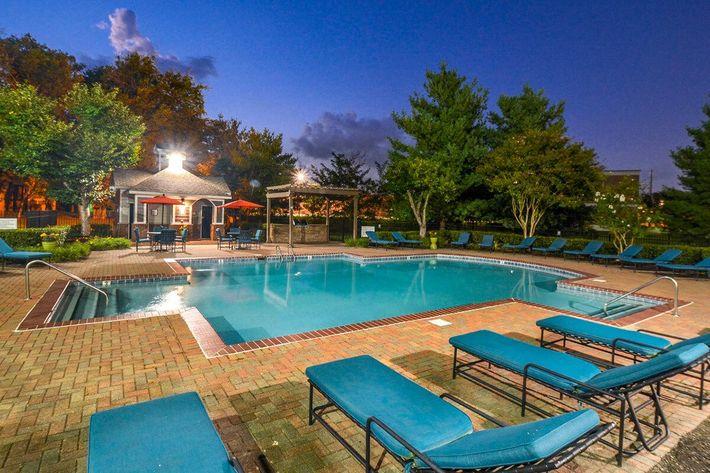 Carrington Park Apartments in Murfreesboro, TN - Swimming Pool 18.jpg