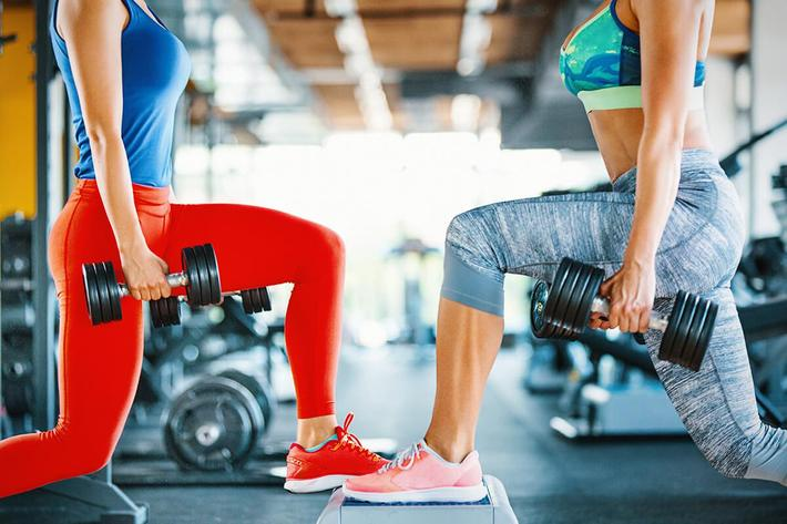 Lunges workout GettyImages-926867270.jpg