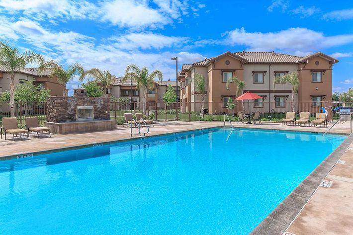 Enjoy the California summer days poolside