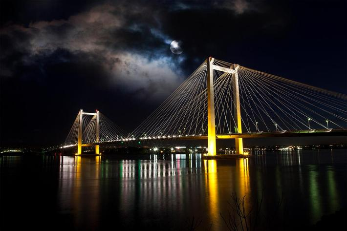 Tri Cities bridge.jpg