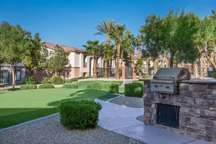BARBECUE AREA AT ACERNO VILLAS APARTMENT HOMES IN LAS, VEGAS, NEVADA