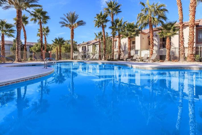 SPARKLING SWIMMING POOL AT ACERNO VILLAS IN LAS VEGAS, NEVADA