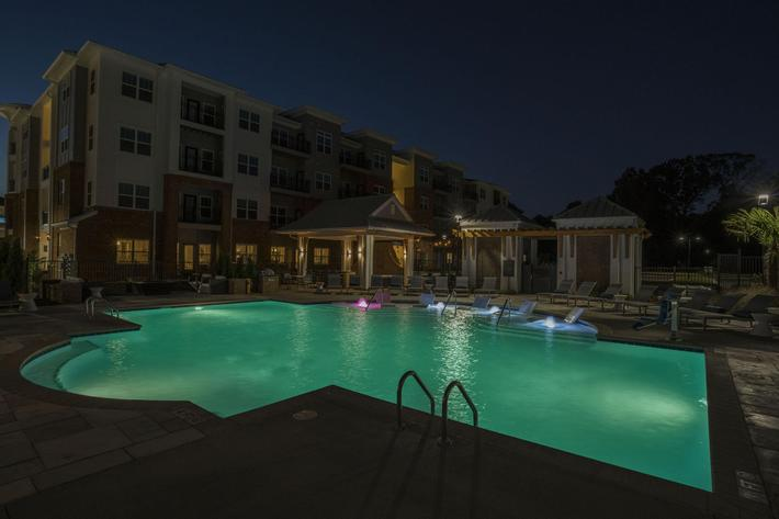 PROSPERITY-VILLAGE-APARTMENTS-CHARLOTTE-NC-DUSK-SHOTS-03.jpg