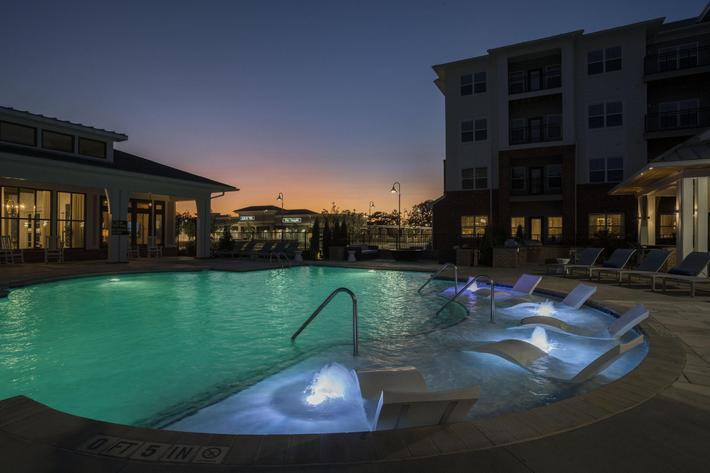 PROSPERITY-VILLAGE-APARTMENTS-CHARLOTTE-NC-DUSK-SHOTS-04.jpg