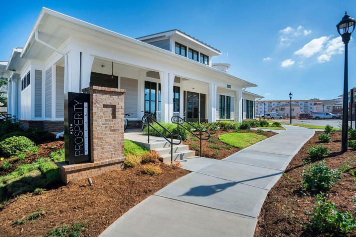 PROSPERITY-VILLAGE-APARTMENTS-CHARLOTTE-NC-EXTERIOR-03.jpg