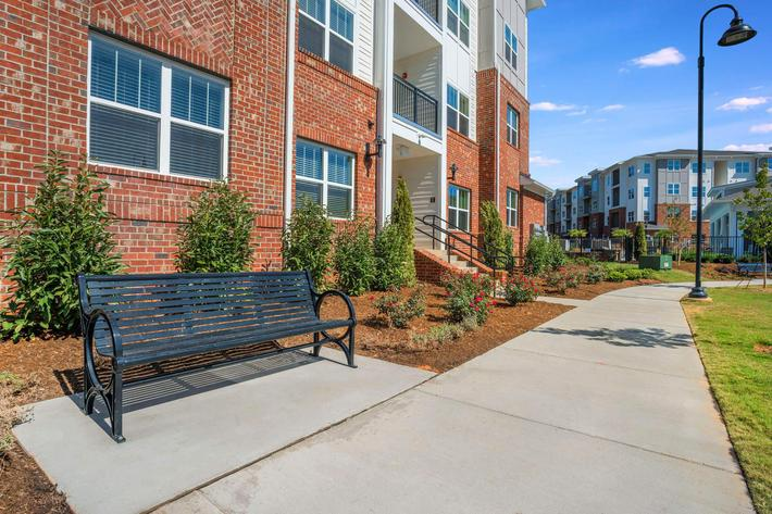 PROSPERITY-VILLAGE-APARTMENTS-CHARLOTTE-NC-EXTERIOR-10.jpg