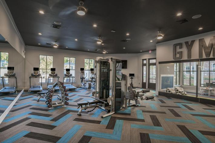 PROSPERITY-VILLAGE-APARTMENTS-CHARLOTTE-NC-FITNESS-CENTER-01.jpg