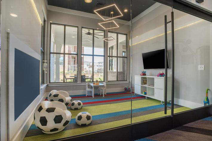 PROSPERITY-VILLAGE-APARTMENTS-CHARLOTTE-NC-PLAYROOM-02.jpg