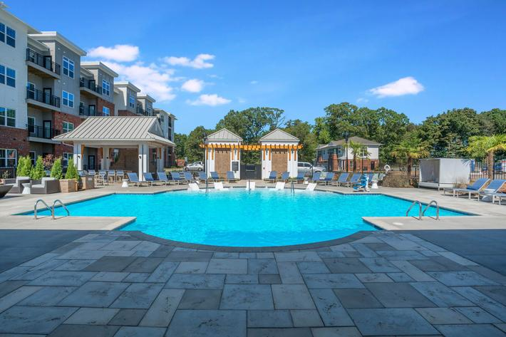 PROSPERITY-VILLAGE-APARTMENTS-CHARLOTTE-NC-POOL-01.jpg