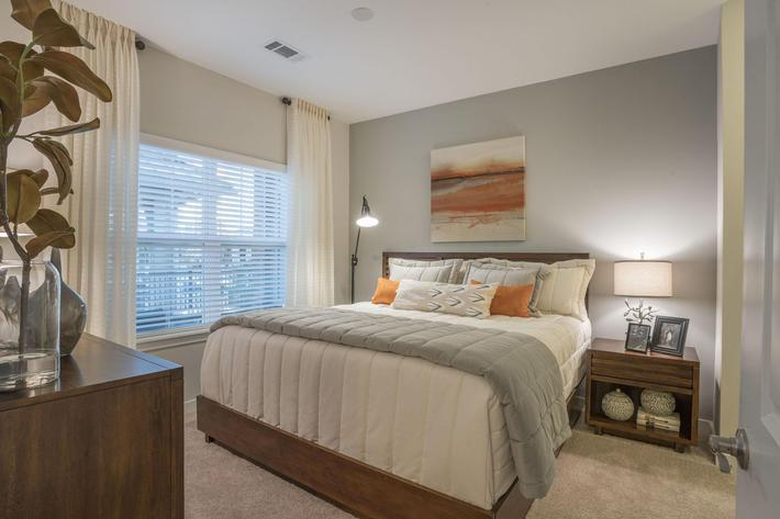 PROSPERITY-VILLAGE-APARTMENTS-CHARLOTTE-NC-1-BED-MODEL-BEDROOM-01.jpg