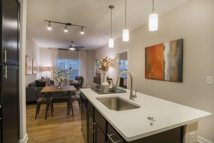 PROSPERITY-VILLAGE-APARTMENTS-CHARLOTTE-NC-1-BED-MODEL-KITCHEN-02.jpg