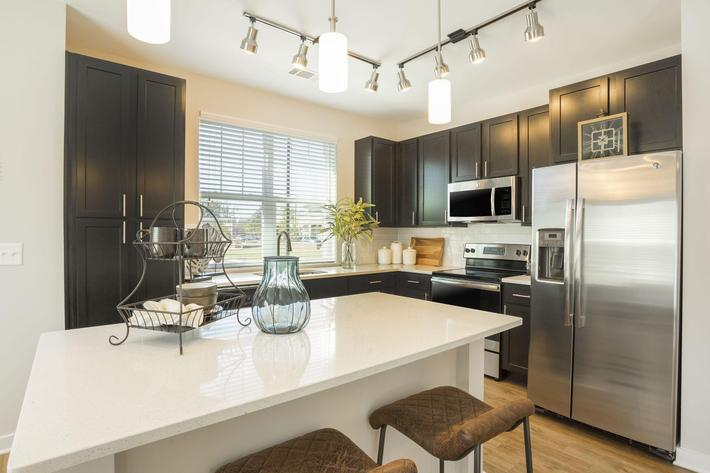 PROSPERITY-VILLAGE-APARTMENTS-CHARLOTTE-NC-2-BED-MODEL-DINING-02.jpg