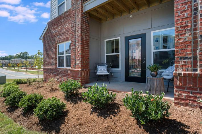 PROSPERITY-VILLAGE-APARTMENTS-CHARLOTTE-NC-2-BED-MODEL-PATIO-02.jpg