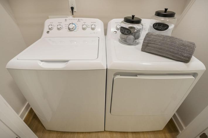 PROSPERITY-VILLAGE-APARTMENTS-CHARLOTTE-NC-2-BED-WASHER-DRYER-01.jpg