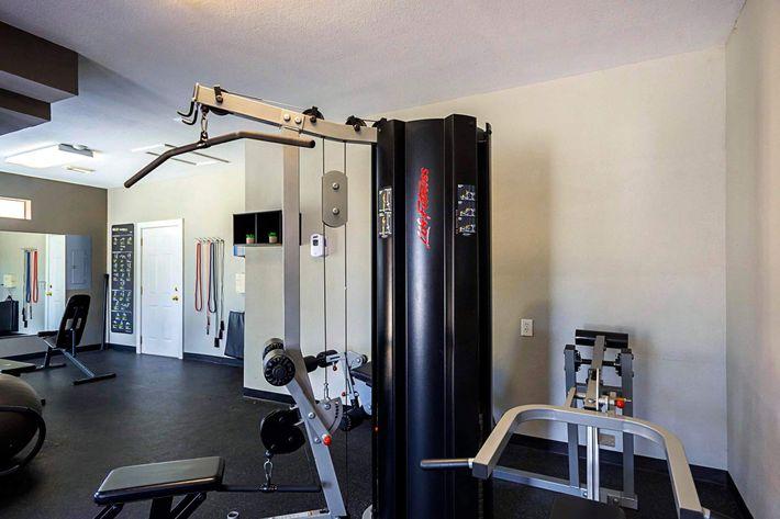 Fitness_Center_1.jpg