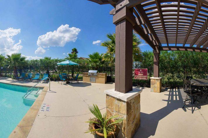 Pool_Panorama.jpg