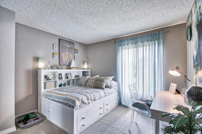 Bedroom_650_Tamarack_Avebrea_CA_Rain-Tree_RPI_II-280956-41.jpg