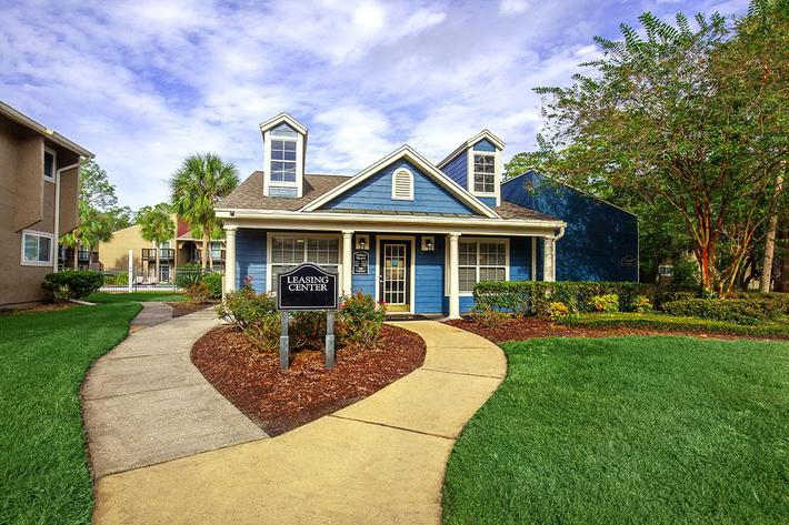 Welcome home here at Heron Walk Apartments in Jacksonville, Florida