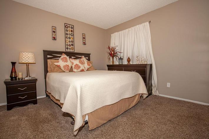 The Muscovy bedroom at Heron Walk Apartments in Jacksonville, Florida