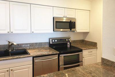 221 kitchen.JPG