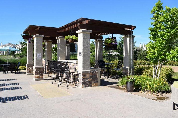 Corbin Crossing Luxury Apartments in Overland Park, KS - BBQ-Lounge Area 03.jpg