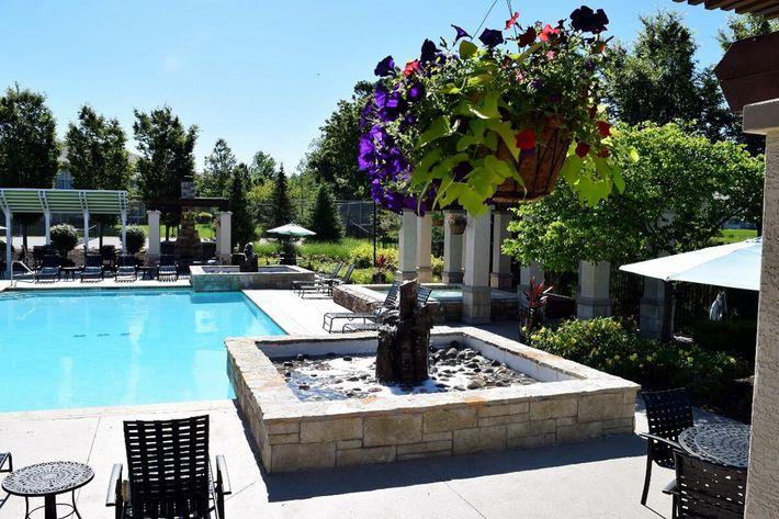 Corbin Crossing Luxury Apartments in Overland Park, KS - Swimming Pool 04.jpg