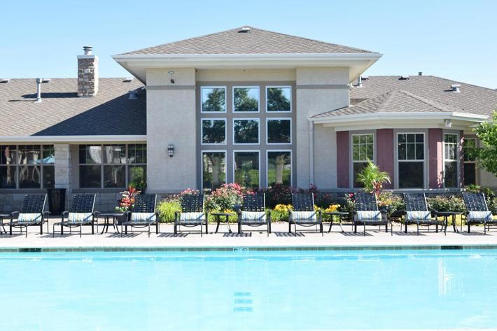 Corbin Crossing Luxury Apartments in Overland Park, KS - Swimming Pool 07.jpg