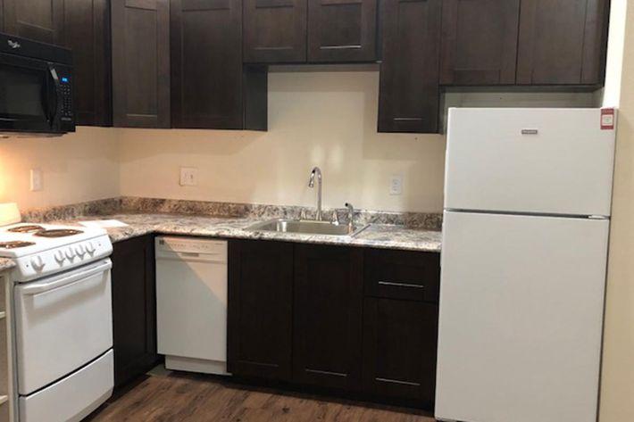 107 New Kitchen.jpg