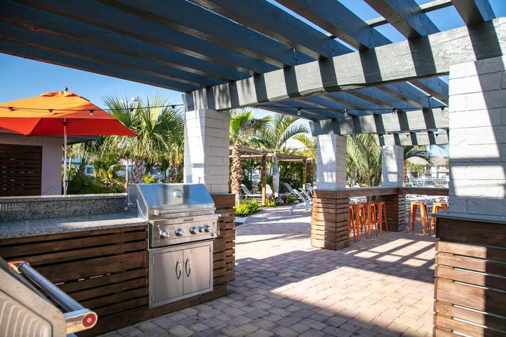Outdoor kitchen 2.jpg