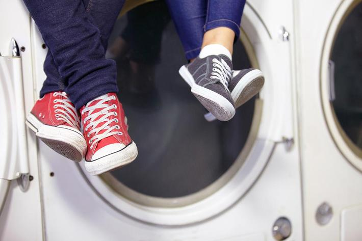 laundry feet GettyImages-471820079.jpg