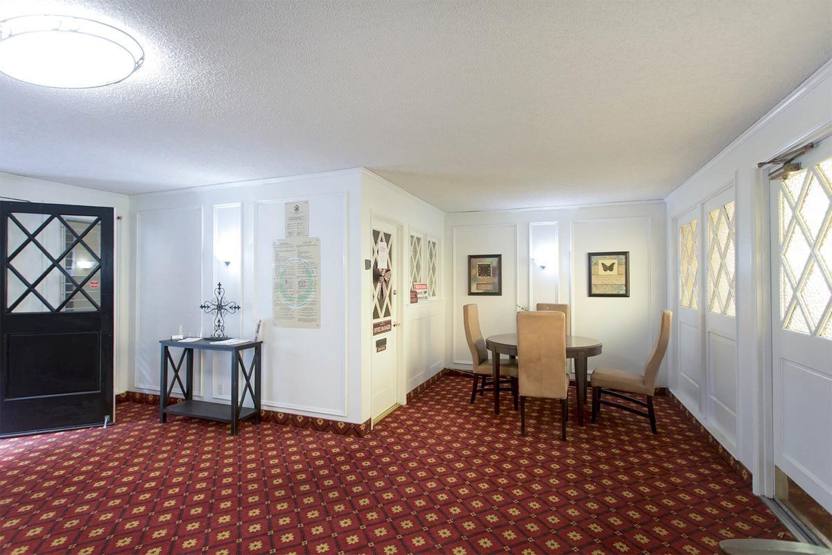 4490 Collwood Lobby 05.jpg