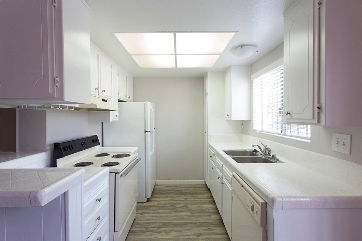 2x2 Kitchen.jpg