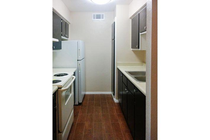 whole kitchen2.jpg