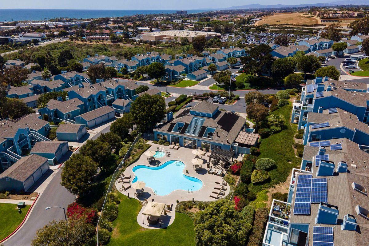Seagate Condominium Rentals 08.jpg