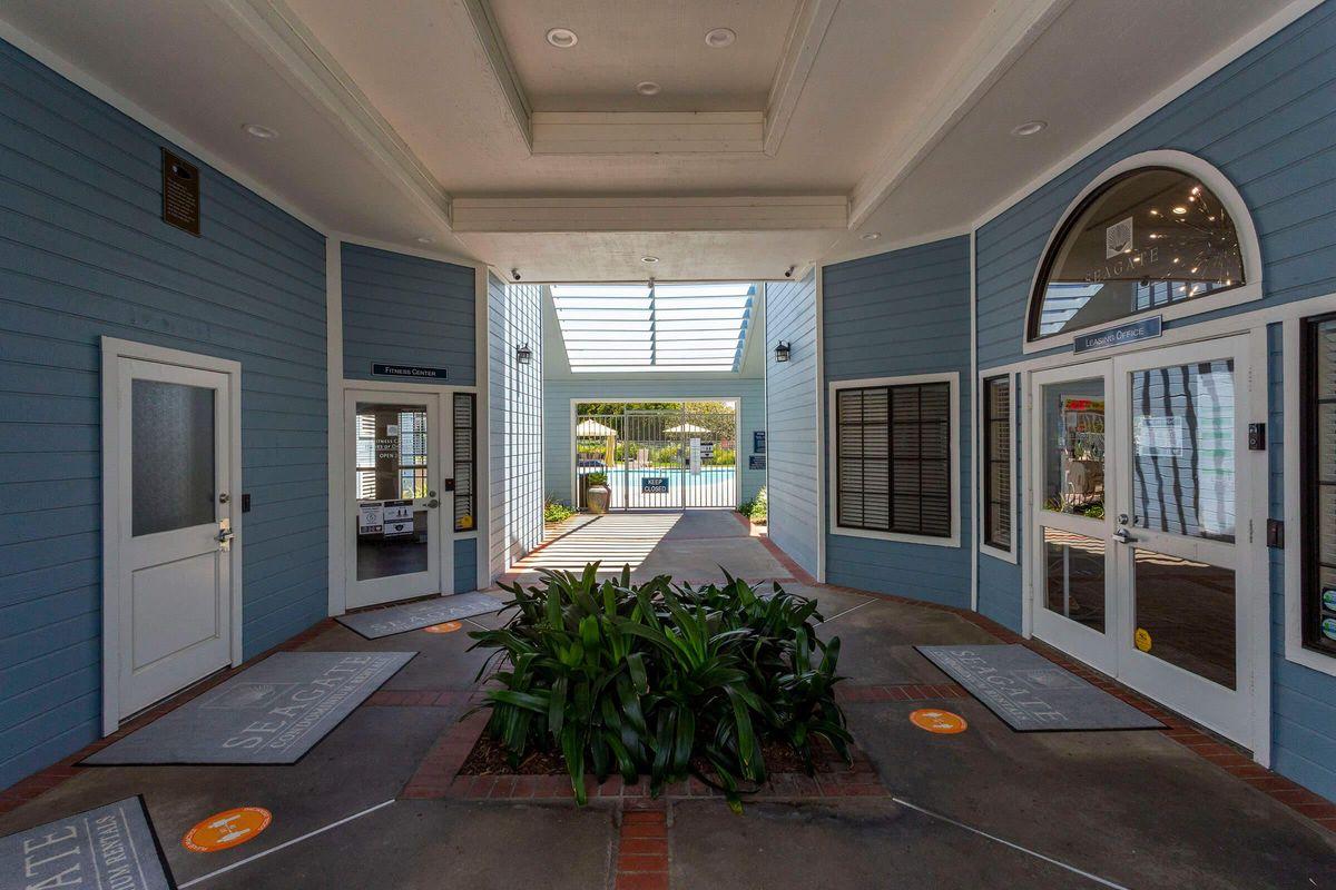 Seagate Condominium Rentals 19.jpg