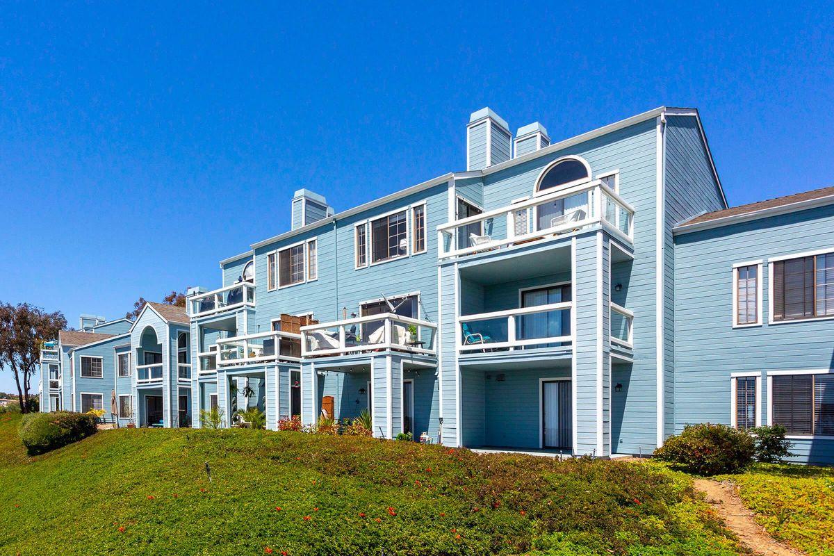 Seagate Condominium Rentals 27.jpg