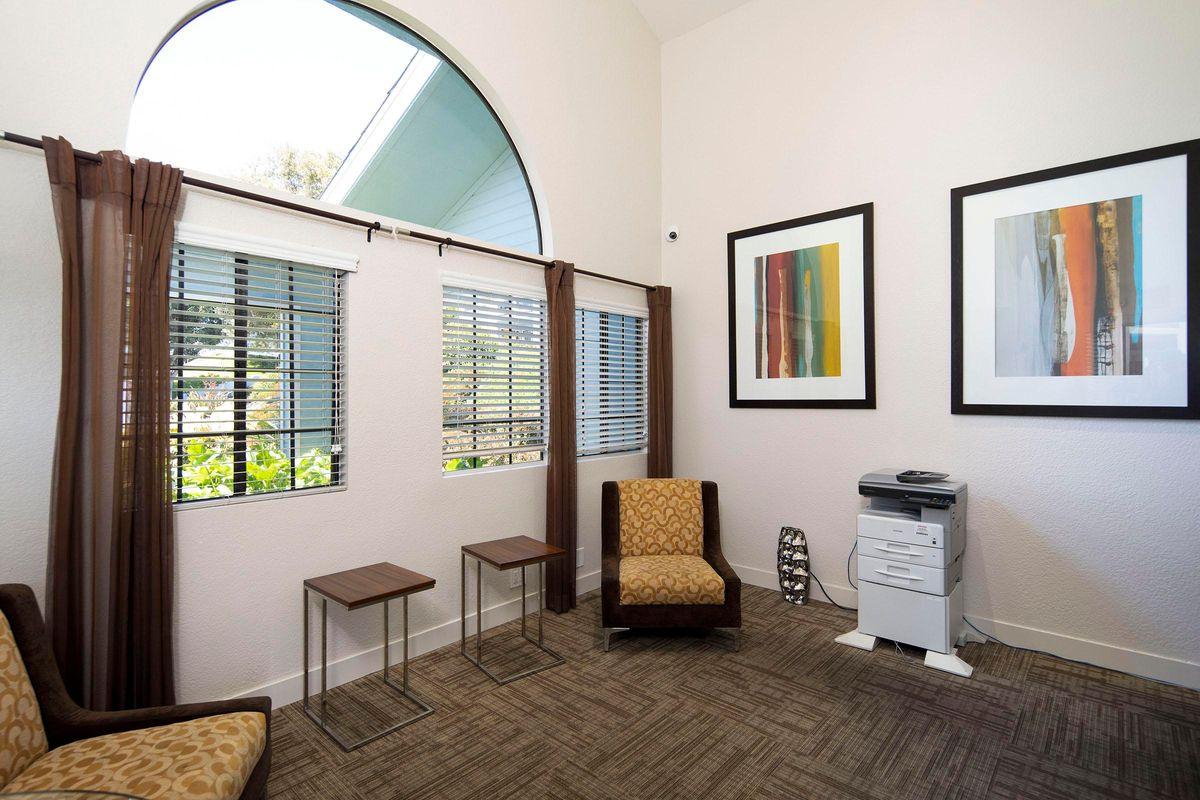 Seagate Condominium Rentals 48.jpg