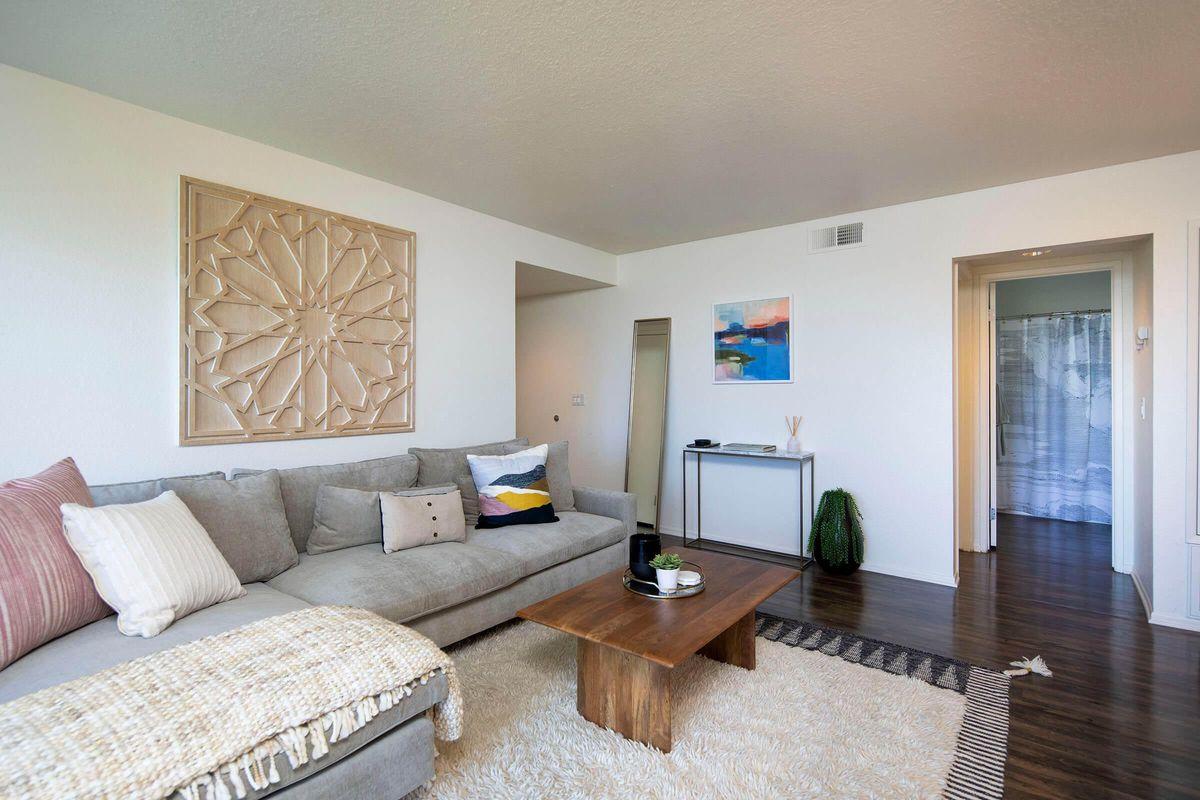 Seagate Condominium Rentals Model Unit  06.jpg