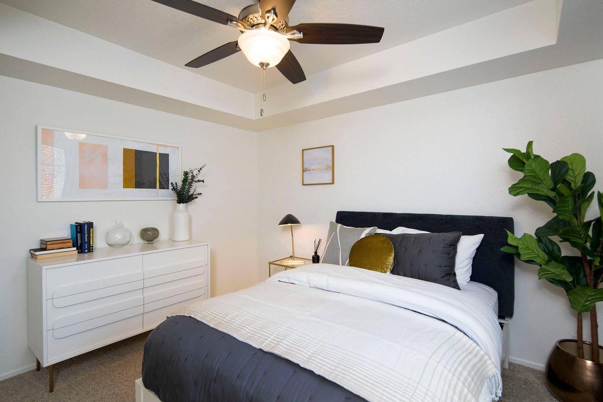 Seagate Condominium Rentals Model Unit  21.jpg