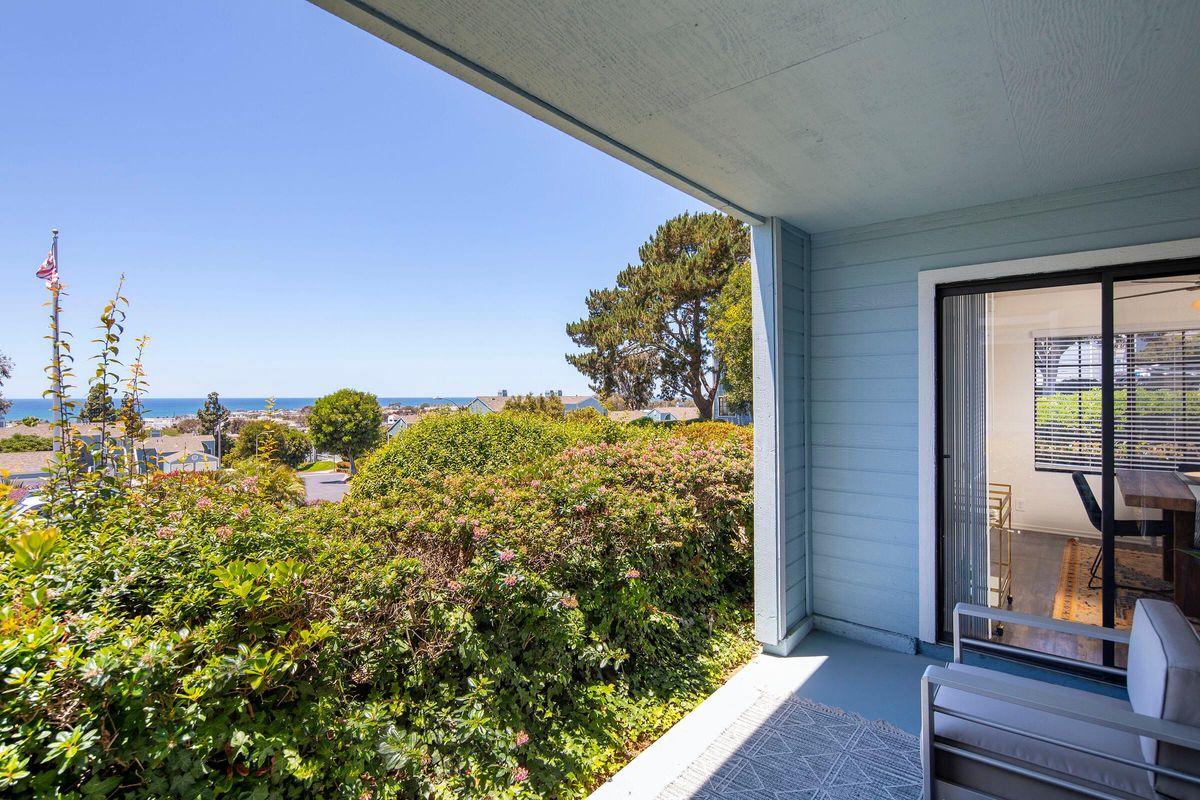 Seagate Condominium Rentals Model Unit  22.jpg