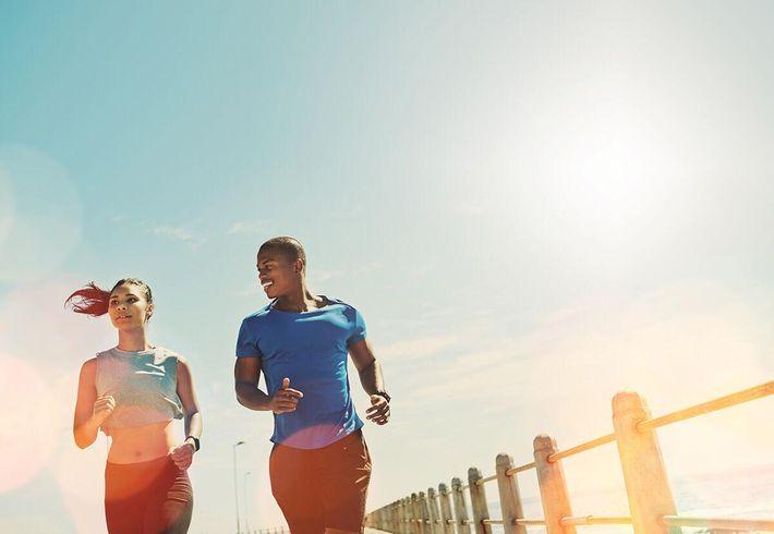 Couple-Jogging---iStock_94021259.jpg