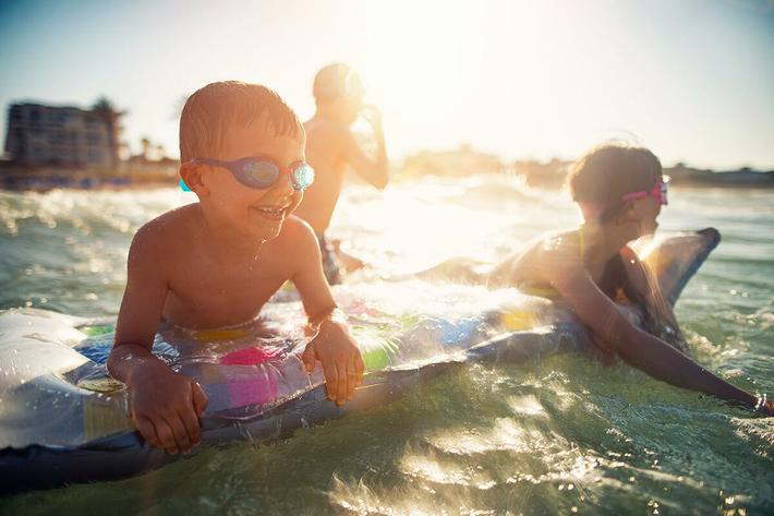 Kids-at-Beach-iStock-546204302.jpg