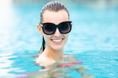 amenities-pool-woman2.jpg