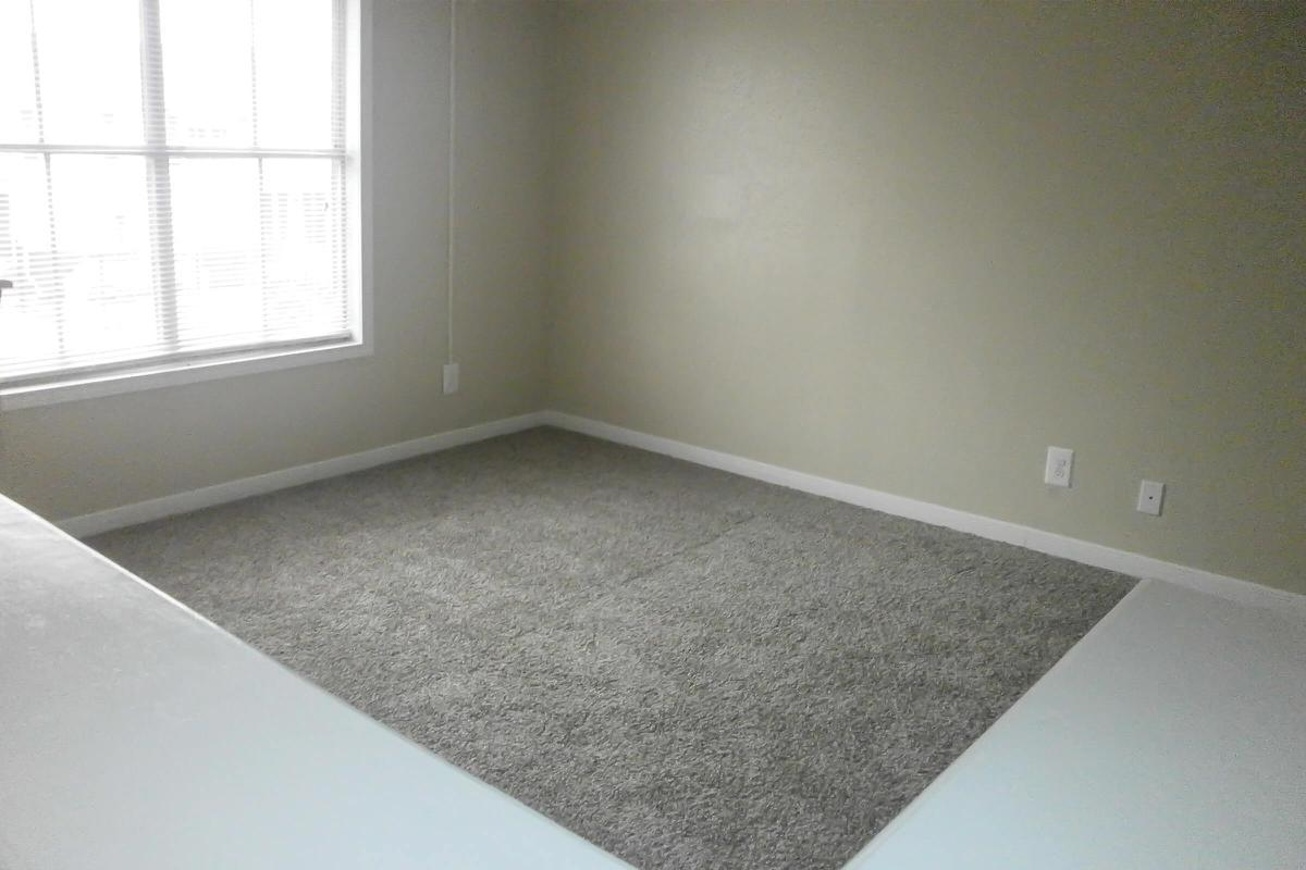 upgraded townhome 004.JPG