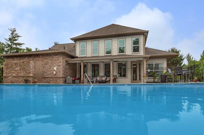 Enjoy the Pool at Ashwood Cove in Murfreesboro, TN