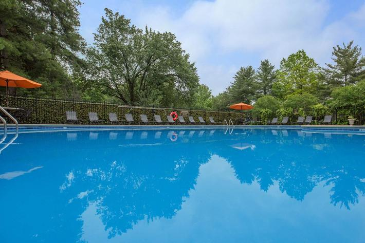 Swimming Pool at Ashwood Cove in Murfreesboro, TN