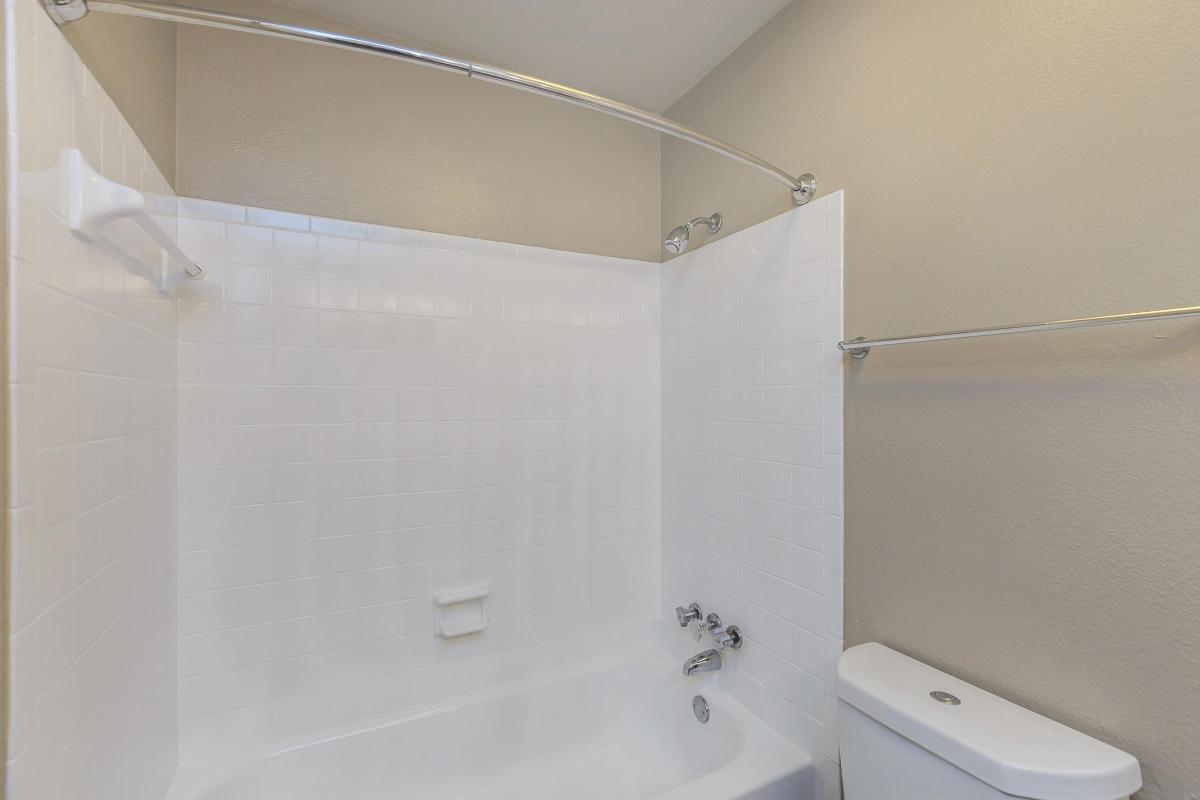 Shower and Tub at The Franklin at Colony House in Murfreesboro, Tennessee