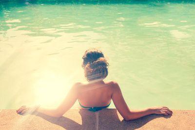 amenities-pool_woman3.jpg